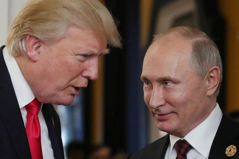Harding: 'Het heeft er veel van weg dat Poetin Trump op de een of andere manier in zijn greep heeft.' Beeld afp