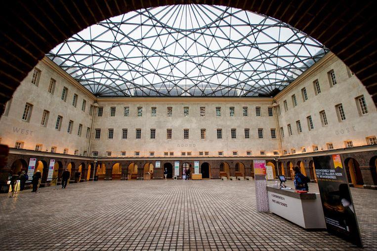 De organisatoren gingen voor Het Museumplein of de NDSM werf. Het werd de binnenplaats van het Scheepvaartmuseum. Iets minder ruimte, maar 'We zijn heel blij met deze bijzondere locatie voor een memorabele avond,' aldus Overkleeft. Beeld anp