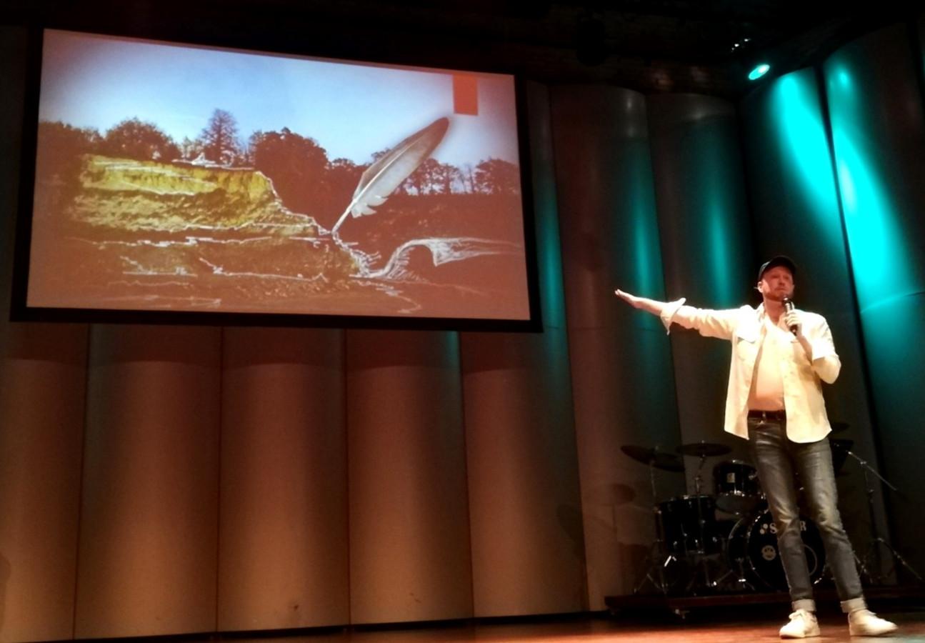 Joris Van Veldhoven (decor en kostuums) presenteert de plannen voor 'De Freule' .