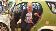 Louisa (82) leert weer vlot in- en uitstappen dankzij oefenauto