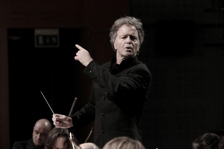 Dirigent Vincent de Kort: 'Maestro beschouw ik als missiewerk'
