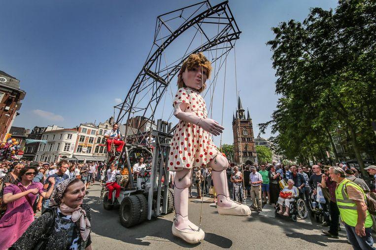 Stadsreuzin Emma werd vorig jaar op de Sinksenfeesten voorgesteld.