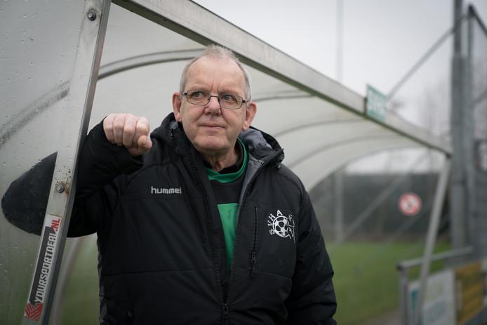Cor van Vlaanderen is een onmisbare vrijwilliger eerste elftal SVHA.