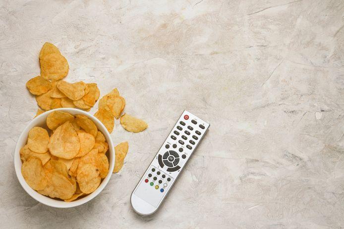 Chips en Netflix: een bekende combinatie voor veel thuisblijvers.