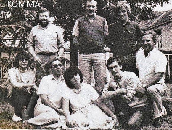 Bob Savenberg (beneden links op de foto) vervoegt KOMMA begin jaren tachtig. Later zouden nog andere leden van Clouseau volgen.