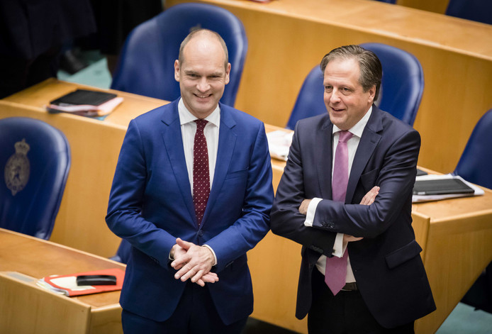 Coalitiepartners Gert-Jan Segers (ChristenUnie) en Alexander Pechtold (D66).