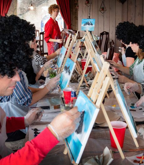 Leren schilderen als cultheld Bob Ross in twee uur