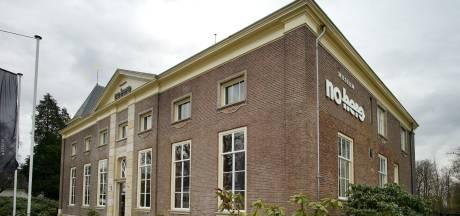 Museum No Hero in Delden moet drastisch bezuinigen