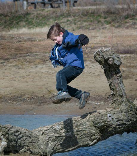 Dankzij speciaal spel op Tiengemeten kunnen kinderen met en zonder handicap met elkaar spelen