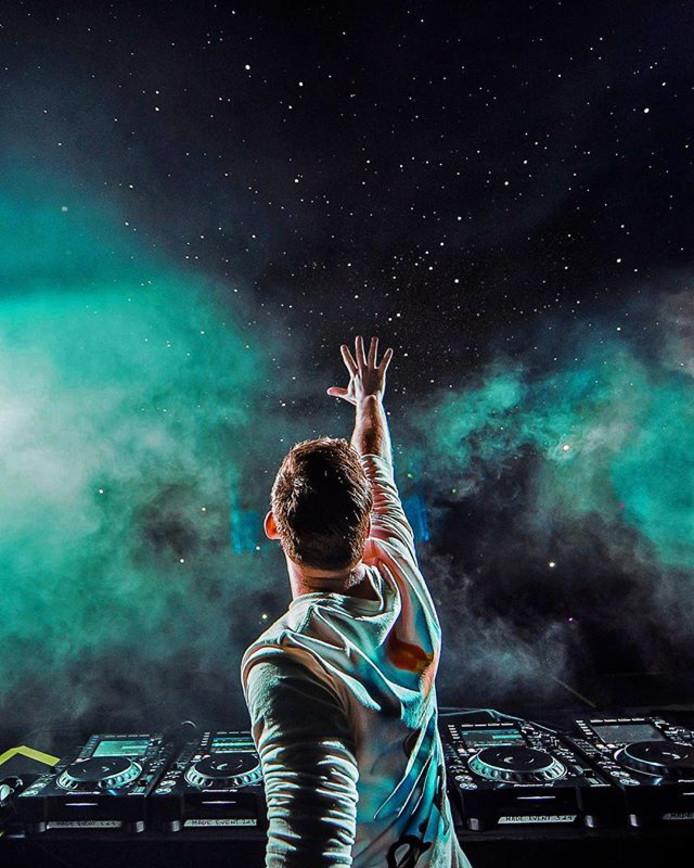 Hardwell reikt naar de sterren