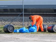 Drugsdumping langs spoor in Rijsbergen, vermoedelijk amfetamineafval