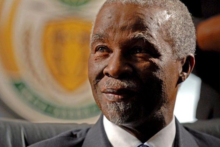 Mbeki kondigde dat gisteren aan in een toespraak op radio en televisie, een jaar voor het verstrijken van zijn tweede en laatste ambtstermijn. Foto EPA/Elmond Jiyane Beeld
