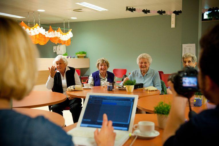 Eén van de activiteiten in dienstencentrum Den Dries in Bornem: een samenzangmoment.