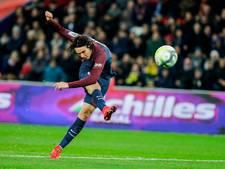 Paris Saint-Germain loopt uit dankzij twee goals van Cavani