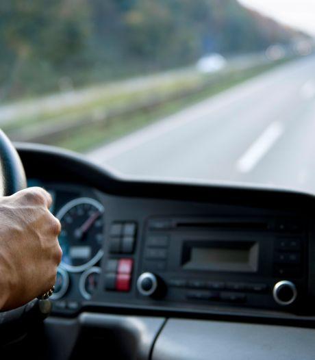 Vrachtwagenchauffeur (65) uit Buren die fietser aanreed schrikt van strafzaak: 'Ik vind het verschrikkelijk'