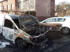 Eigenaar verwoeste bestelbus Beuningen: 'Het is maar blik, er zijn geen gewonden'