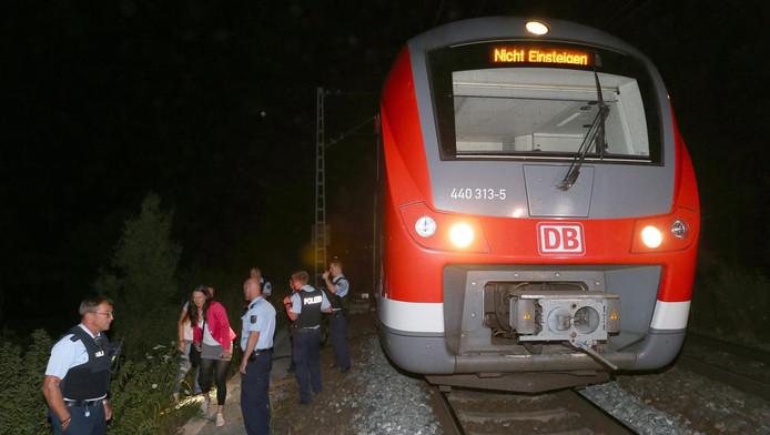 In Würzburg viel een man treinreizigers aan met een bijl.