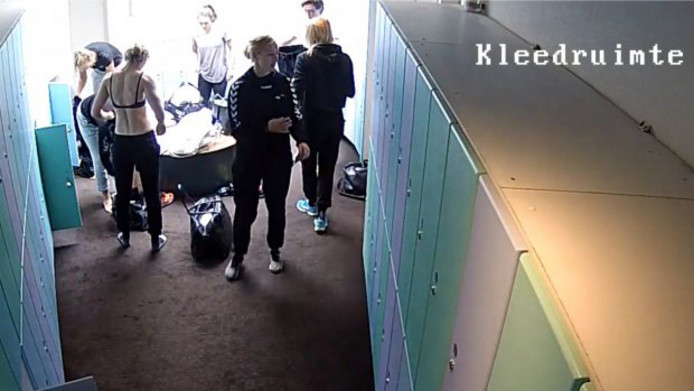 Screenshot uit kleedkamer van de Oranje-handbalsters. Screenshot RTL Nieuws