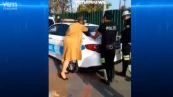 Turkse vrouw krijgt boete... en gaat door het lint