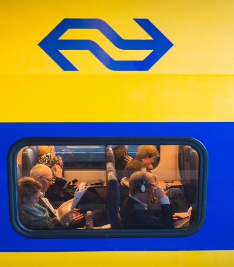 Reizigers uren vast in gestrande trein bij Roelofarendsveen