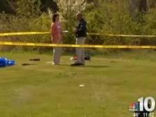 Un parachutiste s'écrase dans un jardin pendant une chasse aux oeufs
