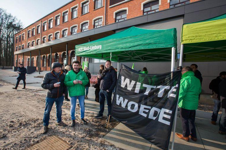 Vakbondsactie aan Sint Ferdinand In Lummen. Opvoeders betogen er tegen geweld in de instelling.