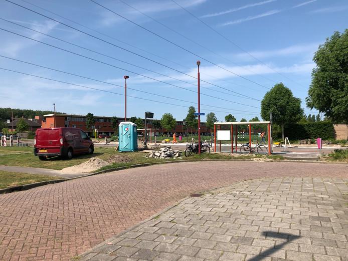 Afgelopen zomer nog knapte de gemeente Nieuwegein de bushaltes in de wijk Galecop op.