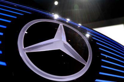 Moederbedrijf Mercedes roept 774.000 voertuigen met mogelijke sjoemelsoftware terug
