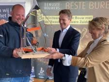 Pleijsier uit Nijkerk krijgt prijs voor grootste hotel van de Benelux