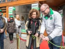 Minister opent tijdelijke weggeefwinkel in Zwolle