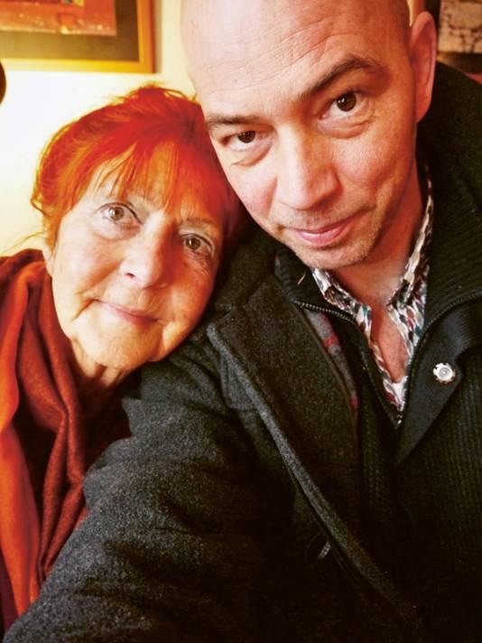 Selfie uit 2015, het jaar waarin Wieringa's moeder overleed.