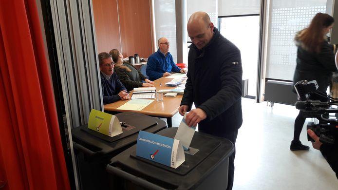 In de wijk Malburgen in Arnhem fungeerde De Malburcht twee jaar geleden als stembureau bij de gemeenteraadsverkiezingen. Daar bracht toen ook SP-leider Gerrie Elfrink zijn stem uit.
