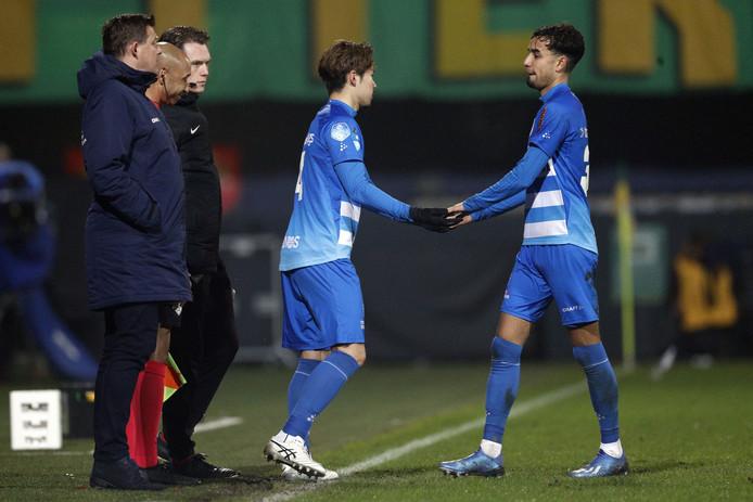 """Of trainer John Stegeman net als Van Polen denkt dat PEC Zwolle het van de thuisduels moet hebben? ,,Nee. We gaan uit ook nog toeslaan. Daar ben ik van overtuigd."""""""