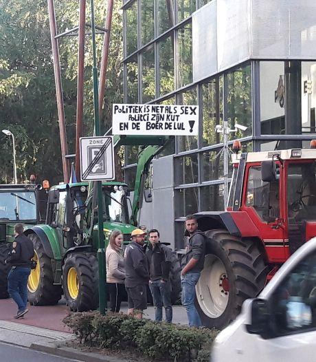 Boze boeren doen in Veenendaal aangifte tegen minister Schouten van Landbouw, ook protest in Utrecht
