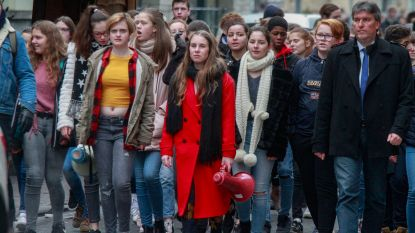 """VIDEO'S. 550 scholieren betogen voor beter klimaat: """"Het is uniek dat jonge mensen op straat komen"""""""