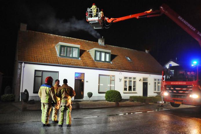 De brandweer rukte uit voor een schoorsteenbrand aan de Hamonterweg.