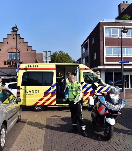 Motorrijder naar ziekenhuis na botsing met auto in Eindhoven