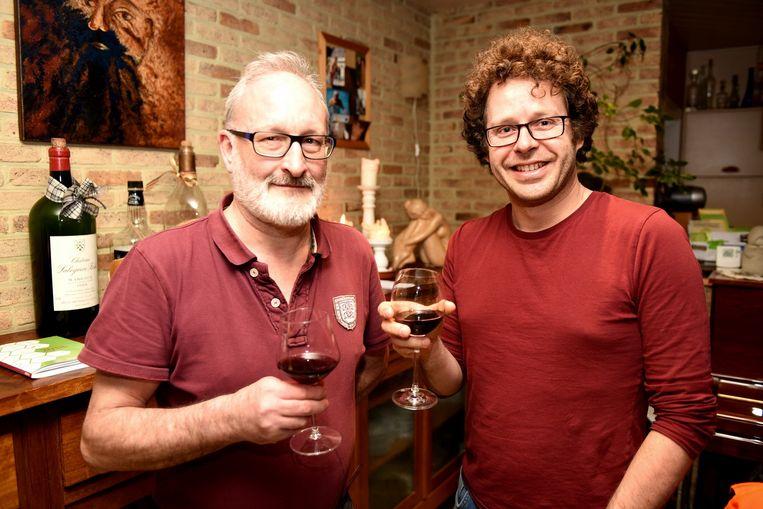 Omer(links) en Alwin Loeckx zoeken nieuwe leden voor Natuurpunt