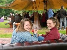 Kannen, Kruiken en een colaatje in Zwols park