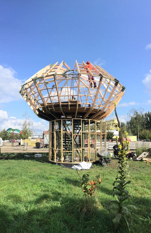 De Droomhut in opbouw in Spoor Oost.