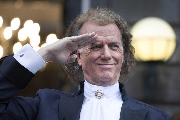 Violist en concertleider André Rieu tijdens zijn concertreeks op het Vrijthof.