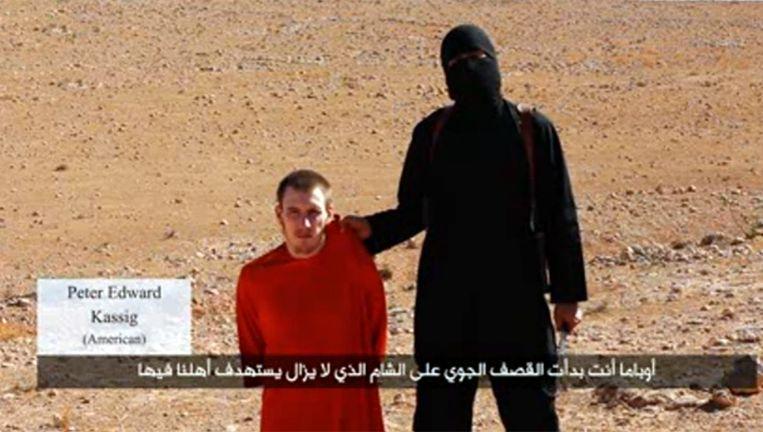 Peter Kassig tijdens de aankondiging van zijn onthoofding, begin oktober Beeld Screenshot