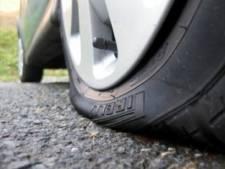 Pastoor Asten over lek gestoken banden van zijn auto: 'Hou het gewoon gezellig'