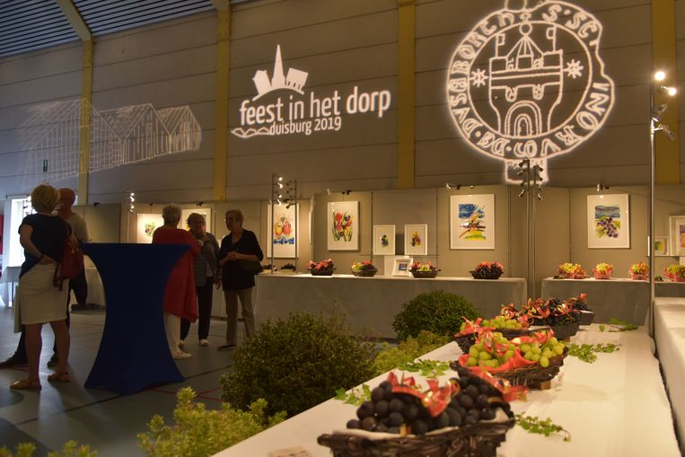 Dorpsfeesten Duisburg druiven en groenten tentoonstelling