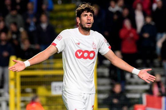 Felipe Avenatti vraagt zich af waarom hij geen penalty kreeg.