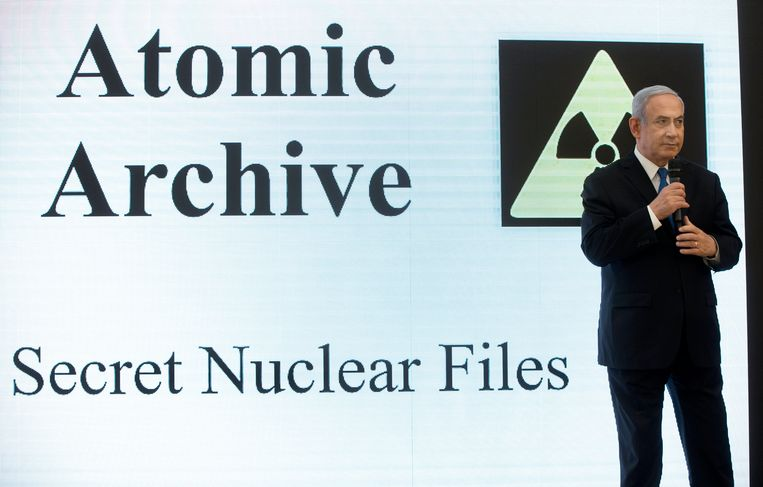 De Israëlische eerste minister Benjamin Netanyahu onthulde geheime plannen over een Iraans kernwapenprogramma.
