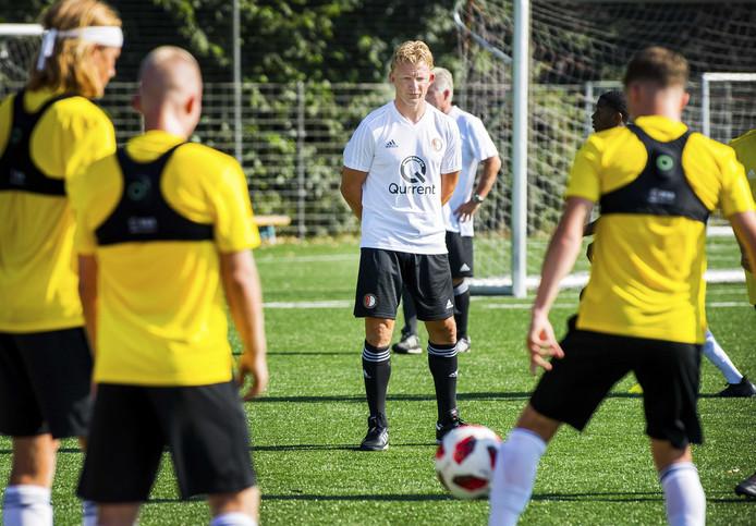 Dirk Kuyt tijdens de training van Feyenoord Onder 19 op Varkenoord.