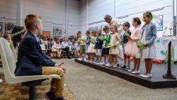 Ouders van tientallen communicantjes organiseren zelf plechtigheid na geruzie met pastoor