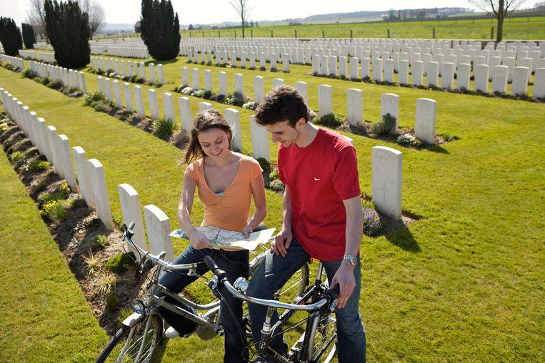 De fietser in West-Vlaanderen begint vaak goed voorbereid aan zijn tocht.