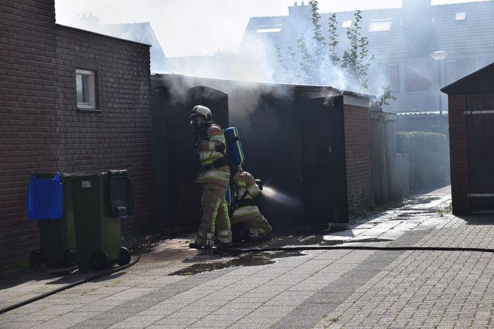 Er kwam veel rook vrij bij de brand in Renswoude.